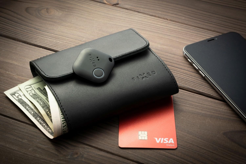 Kožená peněženka FIXED Smile Classic Wallet se smart trackerem FIXED Smile PRO, černá