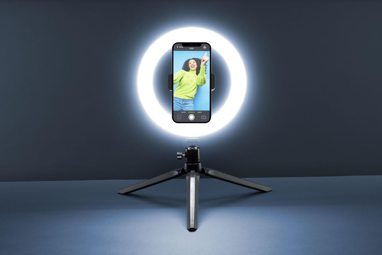 Tripod Cellularline Selfie Ring s LED osvětlením pro selfie fotky a videa, černá