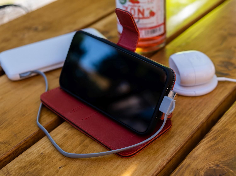 Kožené pouzdro typu kniha FIXED ProFit pro Apple iPhone 13 mini, červená