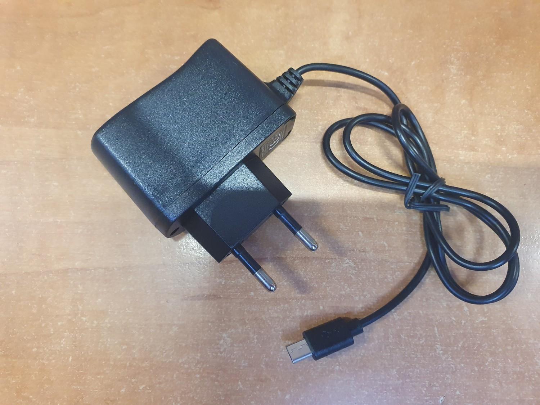 Nabíječka Aligator pro všechny seniorské a tlačítkové telefony ALIGATOR s Micro USB konektorem, black