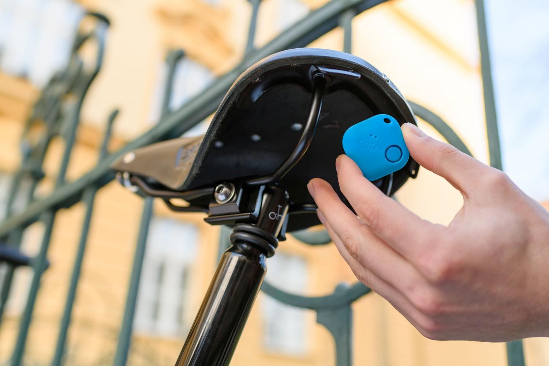 Smart tracker FIXED Smile s motion senzorem, DUO PACK - černý + bílý